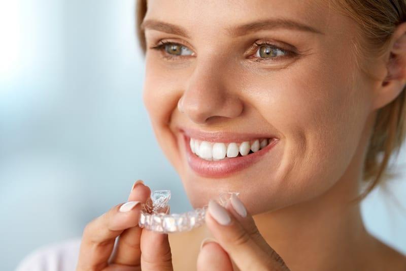 unsichtbare Zahnschiene Dr. Christina Tepper